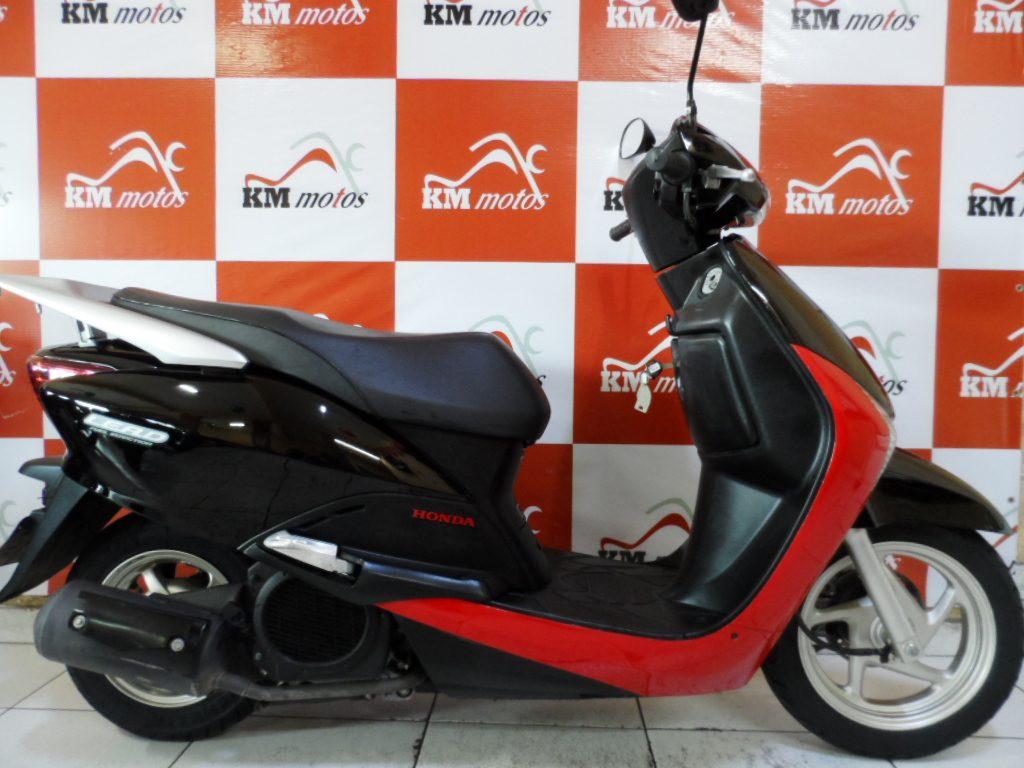 honda lead 110 2010 preta km motos sua loja de motos semi novas. Black Bedroom Furniture Sets. Home Design Ideas