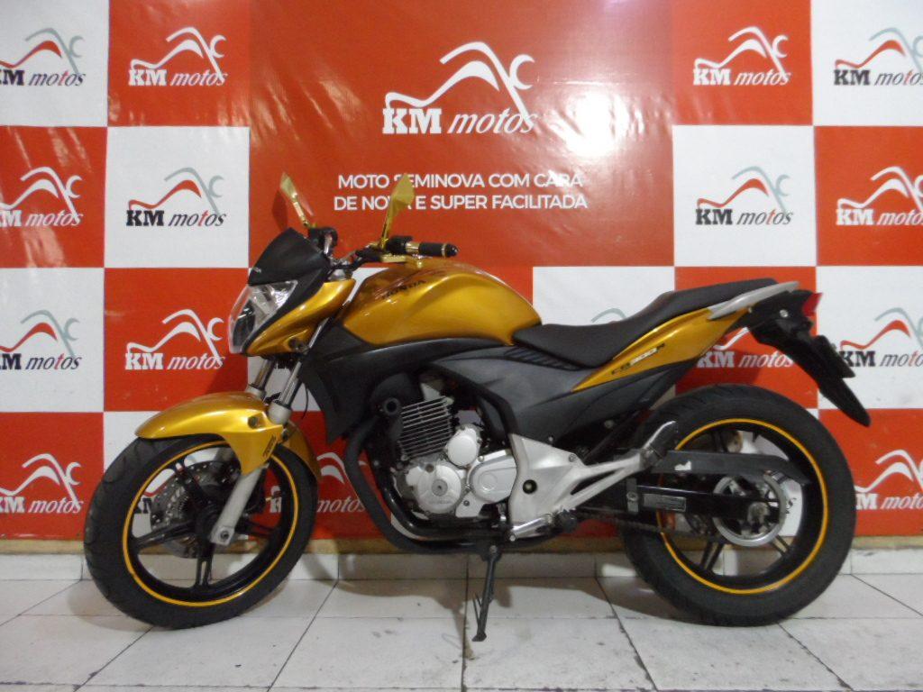 Honda CB 300 R 2010 ABS Amarela