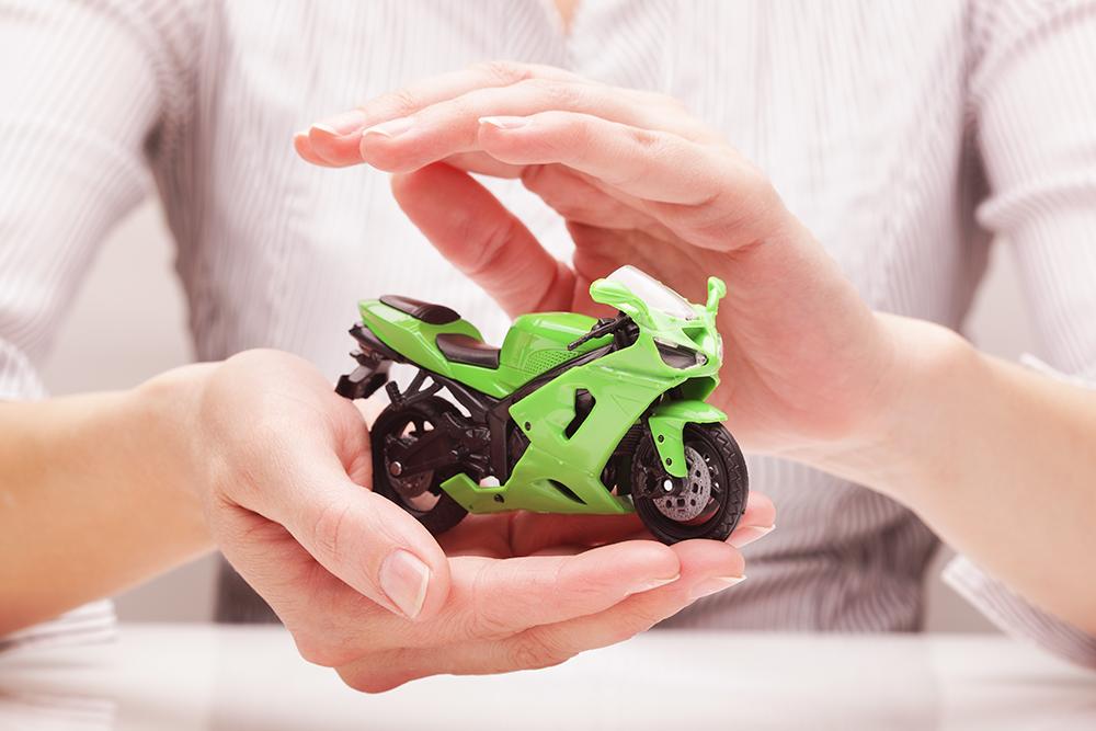 O que você precisa saber antes de contratar um seguro para moto [ou deveria saber]