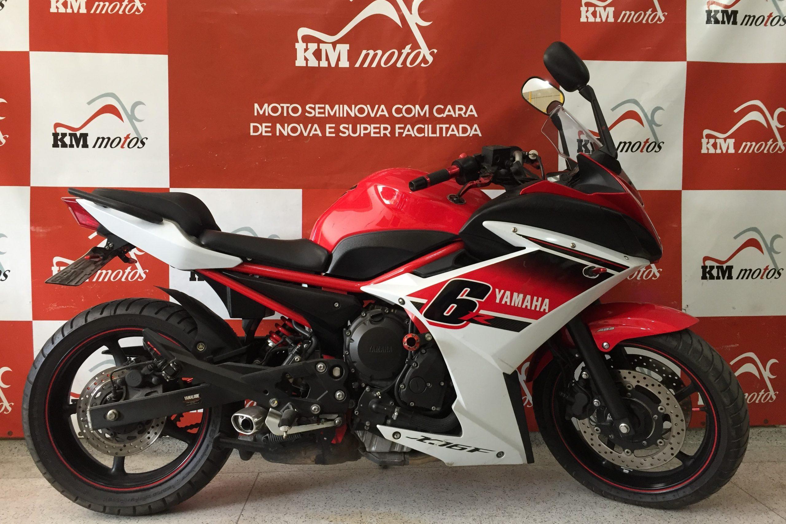 Yamaha XJ 6 F vermelha 2016